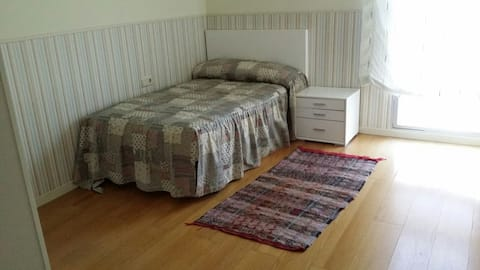Espaciosa habitación individual