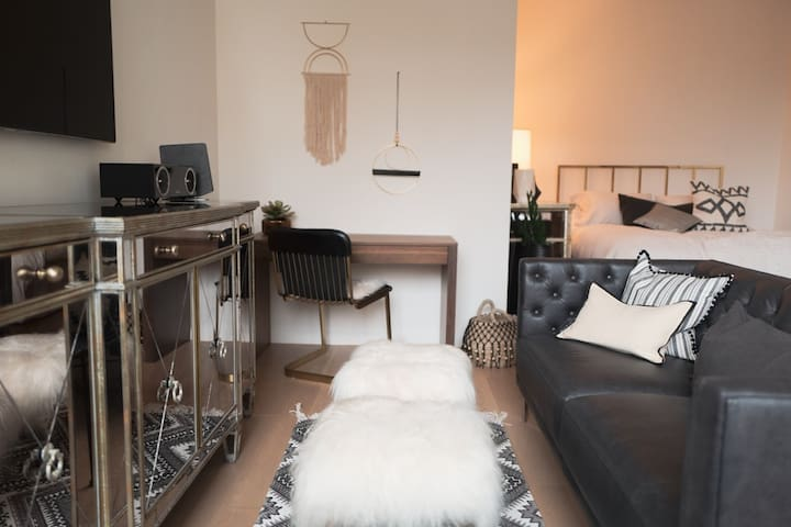 Super Luxury! XL Alcove Studio in heart of Chelsea