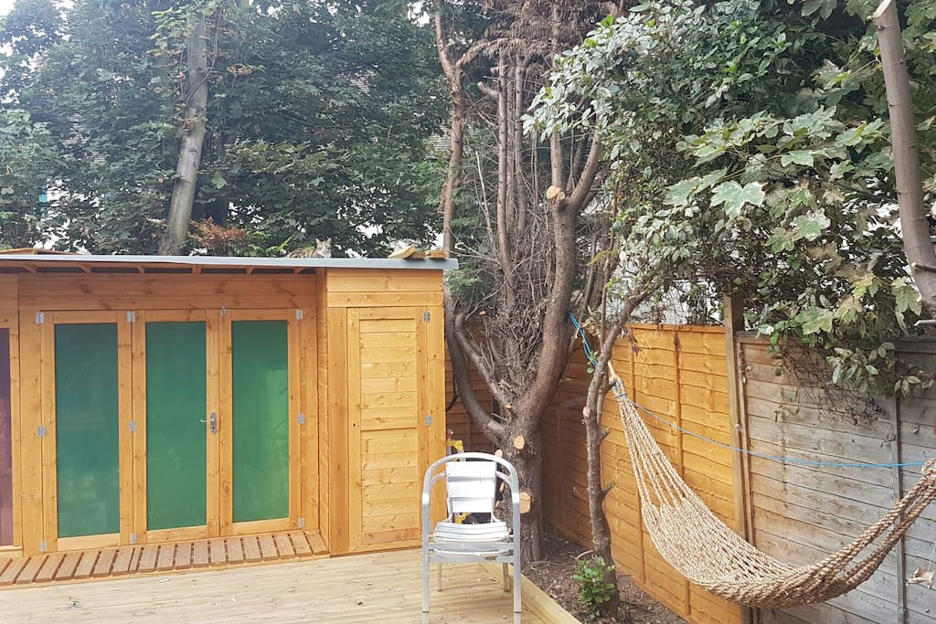 Garden ... (this is a shed, NOT your bedroom hehe)