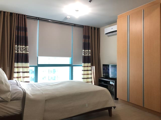28th floor 1 Bedroom One Uptown Residence