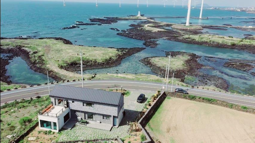 서쪽바다 뷰뷰1(VIEW1)-#바다뷰#신창풍차해안도로 오픈할인♡바닥침구 4인