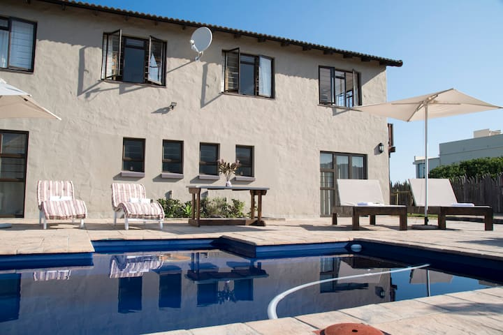 Afrovibe Beach House - Self catering apartment - Sedgefield - Byt