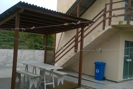 KITINETE COMPLETA EM FLORIANOPOLIS - SUITE MARILIA - Florianópolis - Pis
