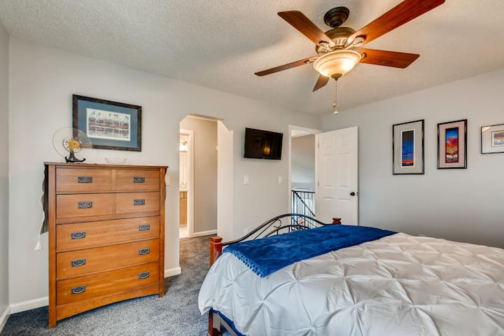 Master bedroom (up stairs)