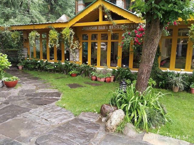 Beautiful Manali Lodge and Spa HPMNLS001