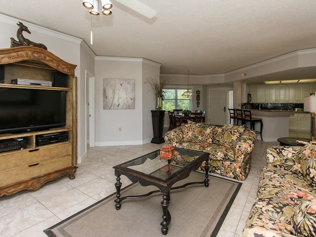 Living Room, Dining Area and Kitchen at 501 Windsor Place