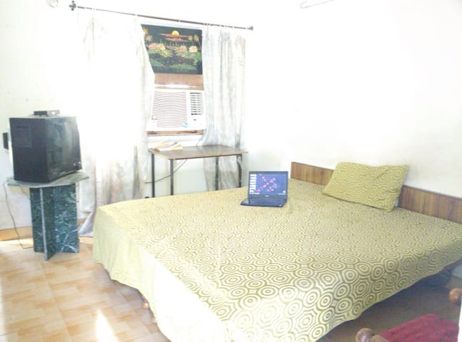 Nostalgic room in posh area of ch - Chandigarh - Apartment
