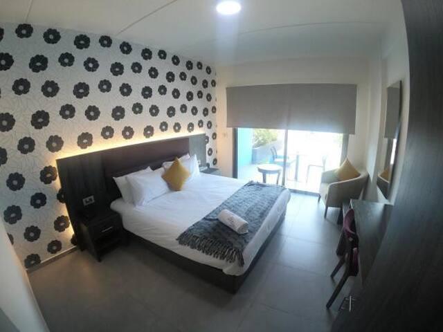 Luxury Double Room with Terrace 02