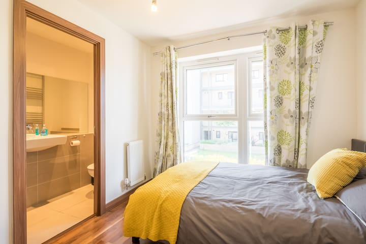 Lovely room with ensuite near Cambridge station