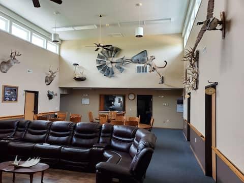 Three Rivers Lodge room #8