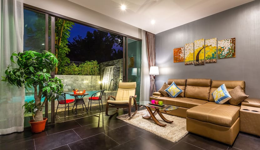 Stylish 2 Bedroom Villa with Private Pool @Chalong
