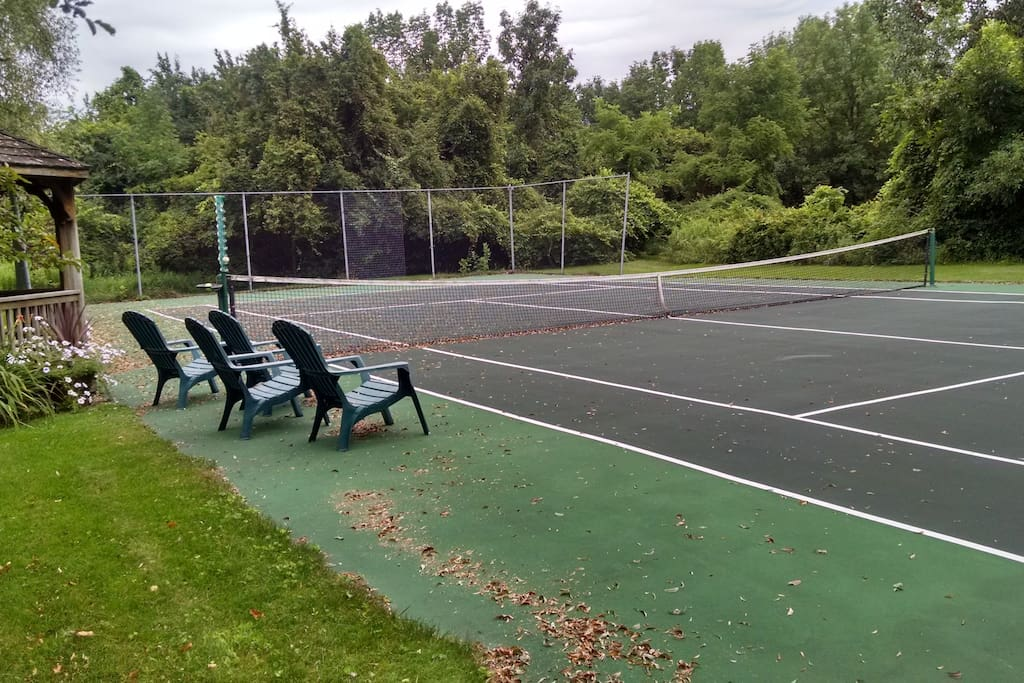Tennis court with a gazebo
