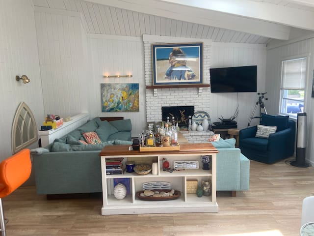 Montauk serenity. 7 month Rental - Long Term Only