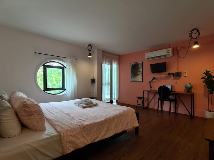 2ppl Room#5 Large Extra Pink Near Beach