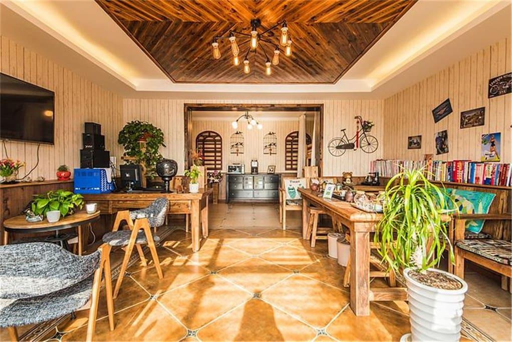 客厅(配有咖啡,咖啡机,茶具,茶叶及免费饮品)