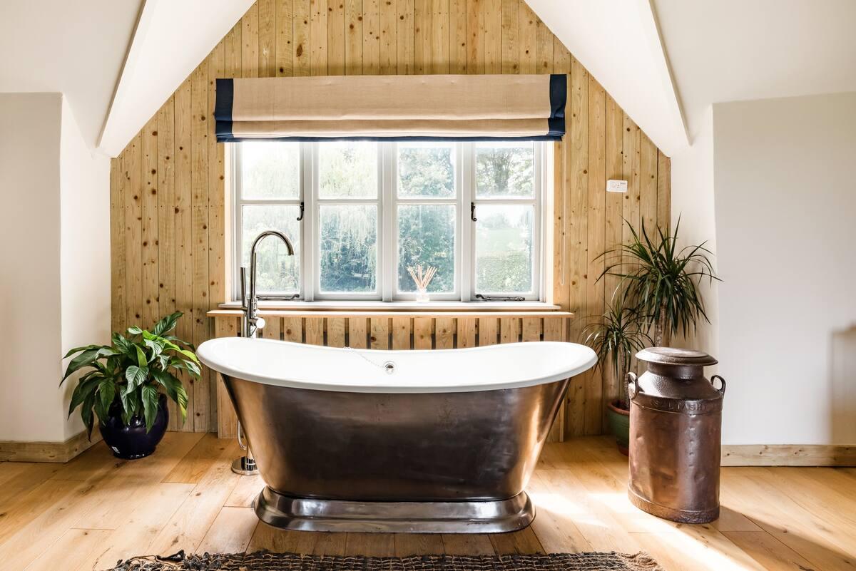 The Barn—Romantic Hideaway in Rural East Devon