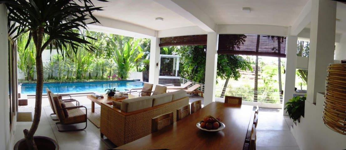 Villa with Rice field and River View - near beach - Mengwi - Villa