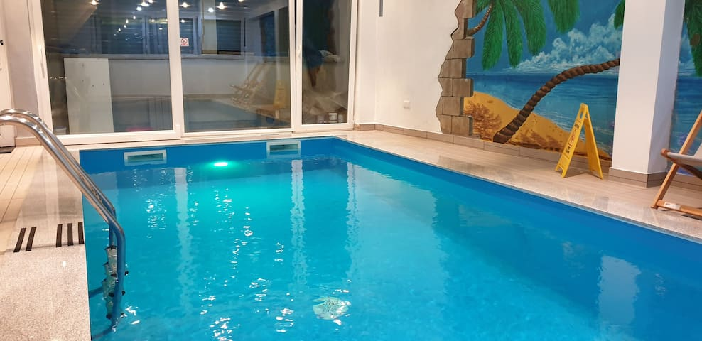 House for 12+ with indoor swimming pool
