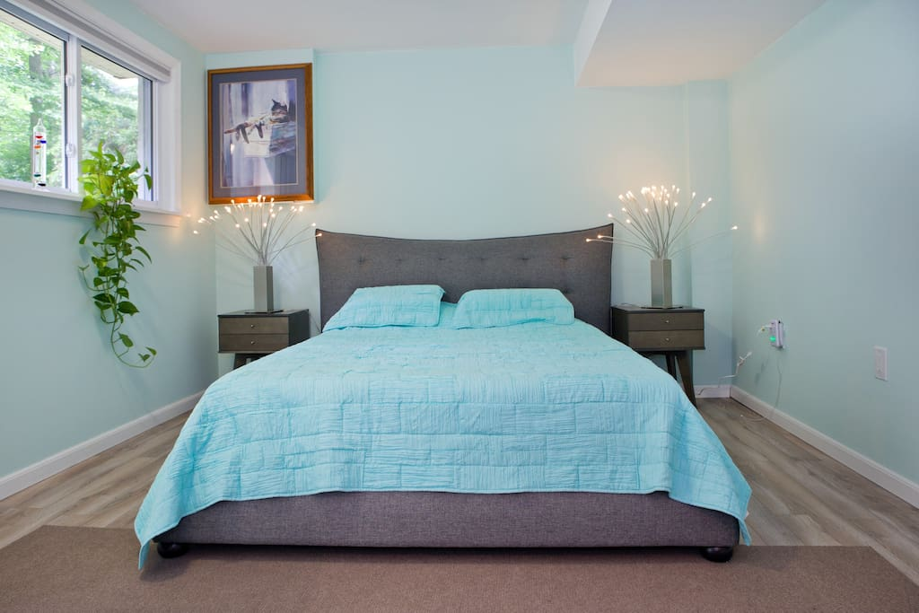 Contemporary Private Bedroom And Bathroom Houses For