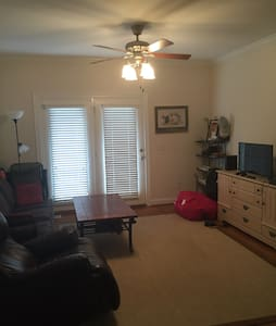 1 BR/BA off Hwy 123 Close to campus - Clemson - Appartement en résidence