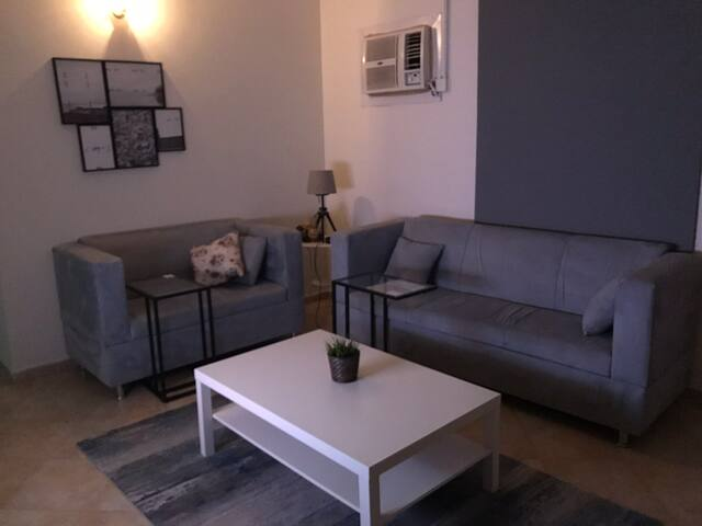Apartment with private entrance مدخل خاص