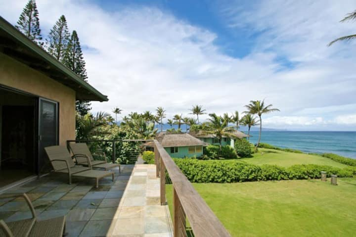 Private Oceanfront Home N. Shore Maui - 2Bdrm