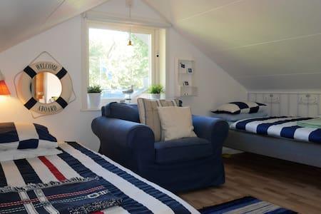 Stockholm archipelago twin loft - Vaxholm - Casa de camp