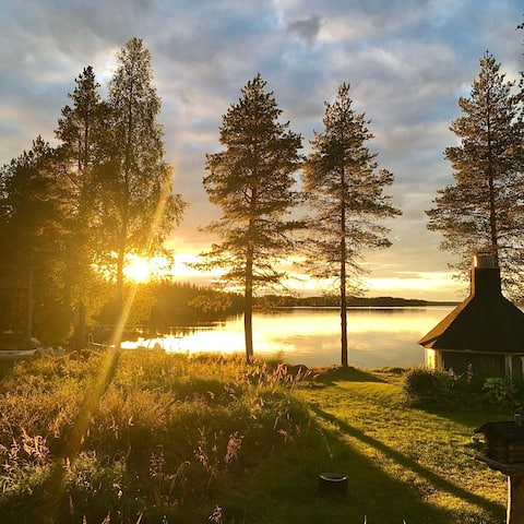 Villa Arctic Blue-Peaceful cottage with lake view