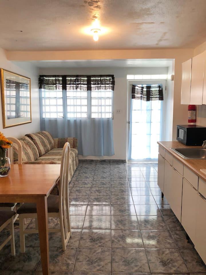 Apartamento tipo estudio en alquiler.