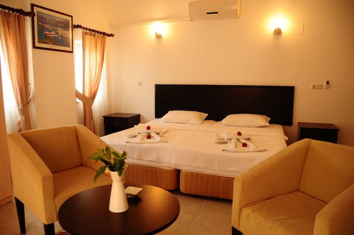 Double room,B&B,Pool,Free WIFI - Göcek Belediyesi - Bed & Breakfast