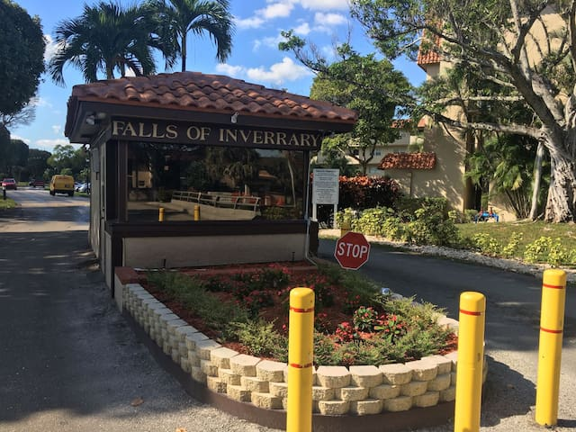 Great Vacation Spot!!! - Lauderhill