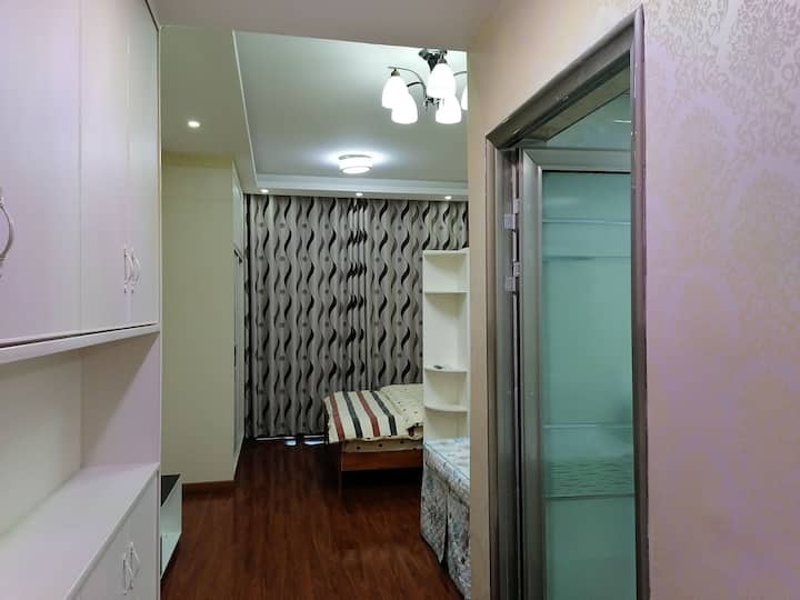 林达逸居,24小时保安巡视,让你感受居家的安全,整洁舒适人性化的设施设备,让你感到家中的顺心如意