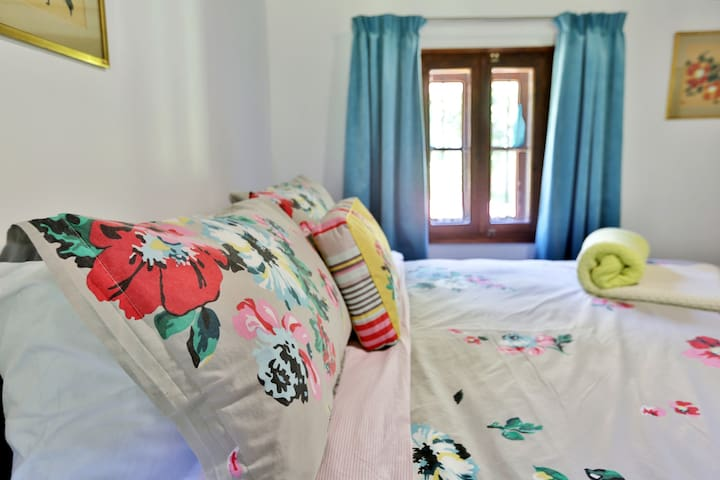 Romantic double room with lovely views
