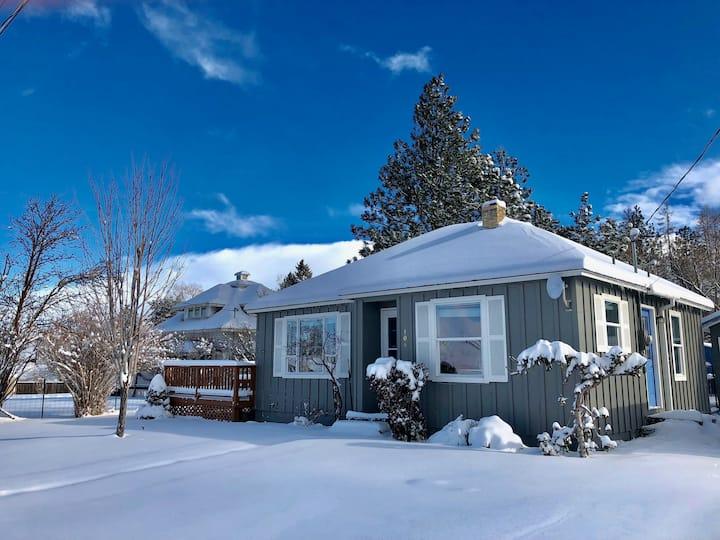 Sparkling Clean Cottage, Huge Views, Dog Friendly
