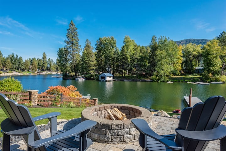 9 Buck Run | Fabulous Location - Waterfront | Ideal for Families & Friends