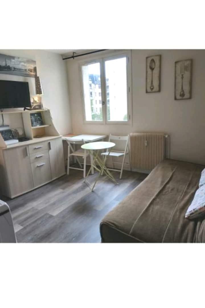 Studio aux portes de Versailles avec parking privé