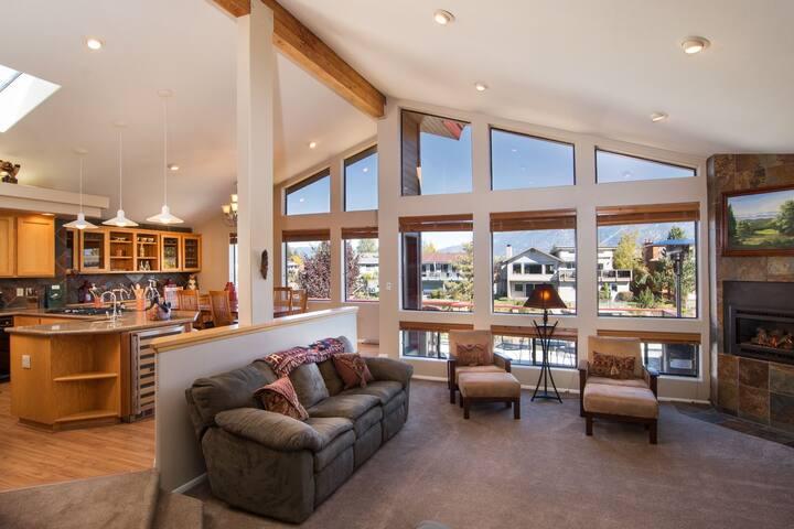 The perfect Tahoe Keys 4bdrm home! - South Lake Tahoe - Huis