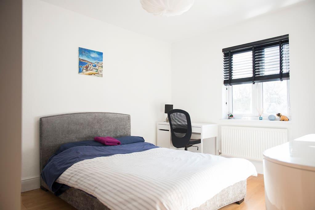 Double Bedroom 2 -1st Floor