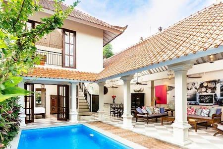 2 BR Tropical Paradise Villa, Seminyak> - Kuta - Villa