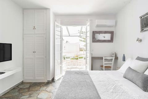 Comfy Studio Next to the Beach with Sea & Sunset View