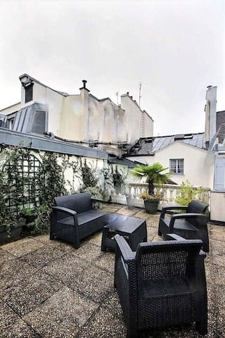 There is the 35 square meters very nice terrace. It is rare in Paris.