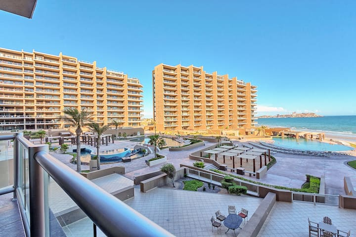 Luxury Ocean Front 1 Bed/1Bath, Spectacular Views!