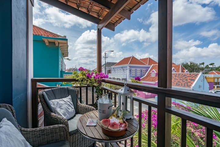 City Apartement met balkon in Pietermaai - PM78