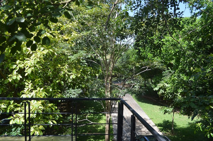 2 bedroom villa facing bolgoda lake - Colombo - Pis