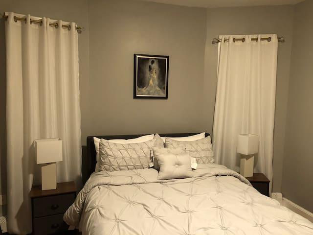 Sutton Comfort Room 1