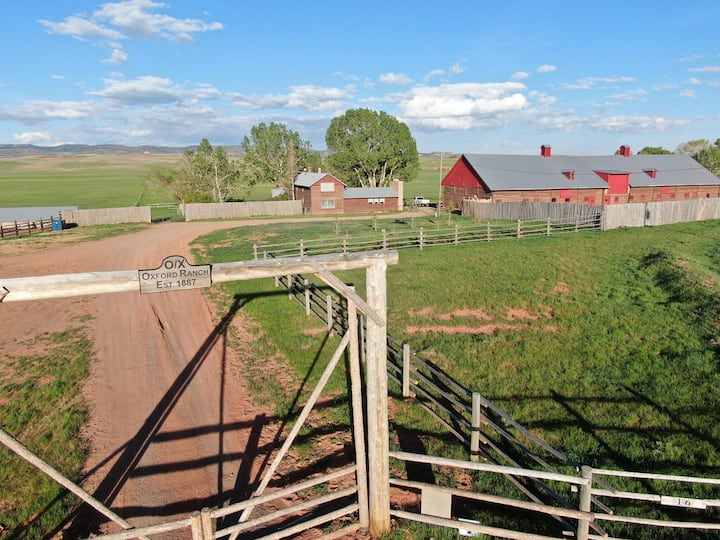 Oxford Horse Ranch: Aristocrat Suite