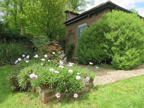 Countryside getaway in the Pewsey Vale