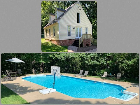 Hanover Cottage Retreat with Pool and Tennis Court