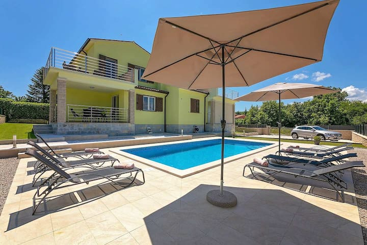 Newly built Villa Bellora with 3 bedrooms and pool