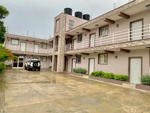 Comfortable Lodging Near Airport